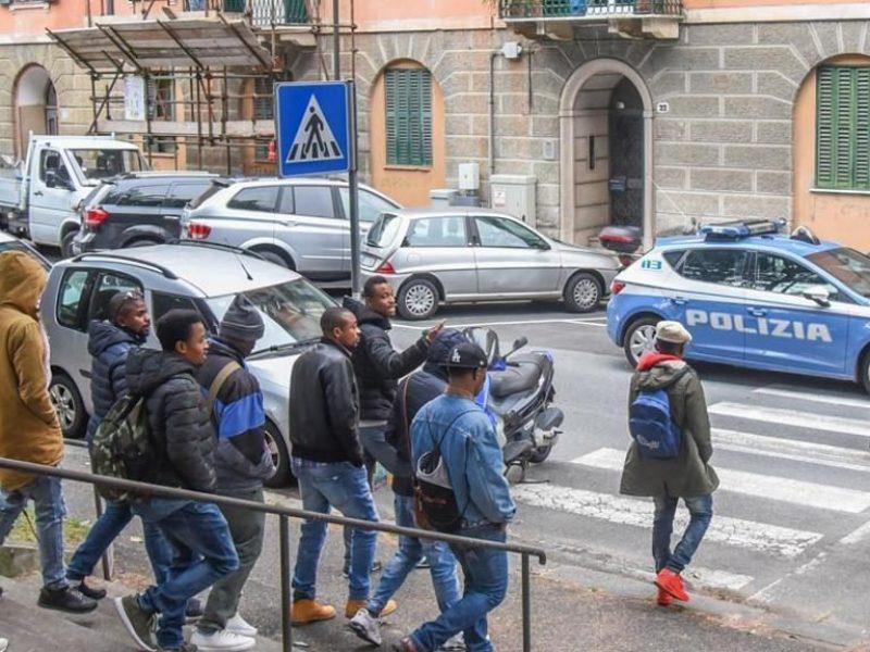 Savona: aumento della TARI per appartamenti che ospitano migranti dimostra pochezza e populismo della giunta.